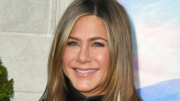 Jennifer Aniston's Been Wearing This Style Staple Since Y2K