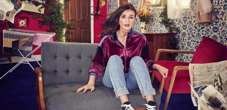 Hulu Boards Aisling Bea C4 Comedy 'This Way Up' As Aasif Mandvi, Tobias Menzies & Indira Varma Join Cast
