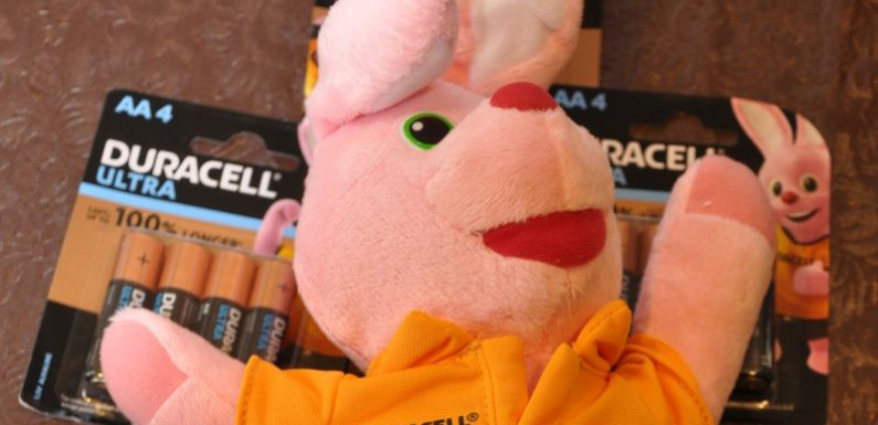 Battery leakage redux: Duracell sends in the bunny