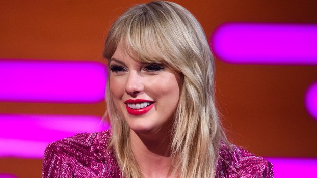 Taylor Swift Dances Like a Cat While Wearing a Cat-Eye in the First Look at Cats