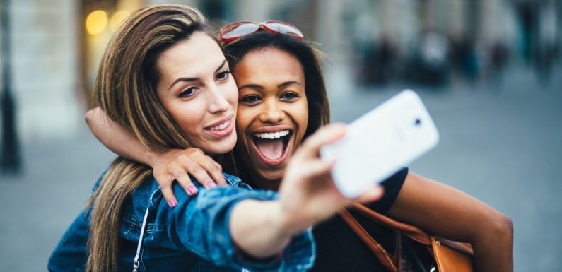 Experts Reveal What Taking Selfies Really Does To Your Self-Esteem