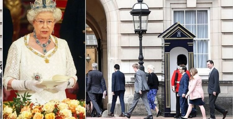 Queen Elizabeth: 'Hilarious' time monarch rescued 'red-faced' staff and 'saved the day'