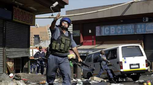 One killed, five wounded in new Johannesburg violence