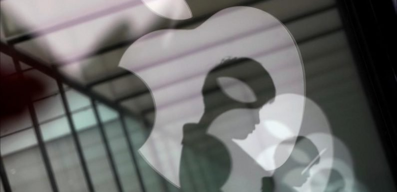 Apple alters search algorithms to deliver fewer of its own apps: NYT