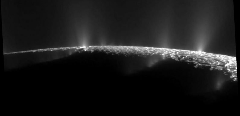 Scientists find building blocks for life on Saturn's moon