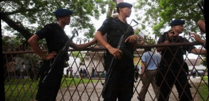 Suspected suicide bomber targets Indonesian police station