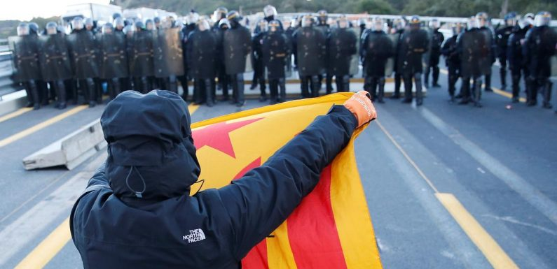 French police disperse protesters blocking major Spain-France road link