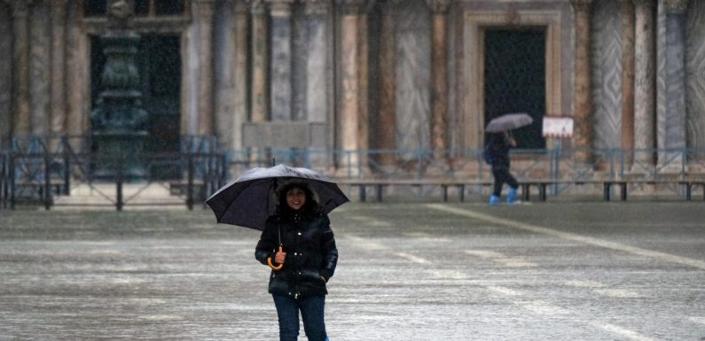 Venice braces for 'tough day' as another very high tide looms