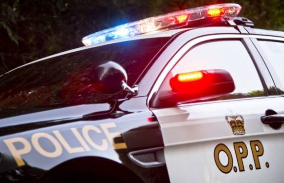 No injuries reported after loose tire hits pickup, transport trucks on Highway 401: OPP