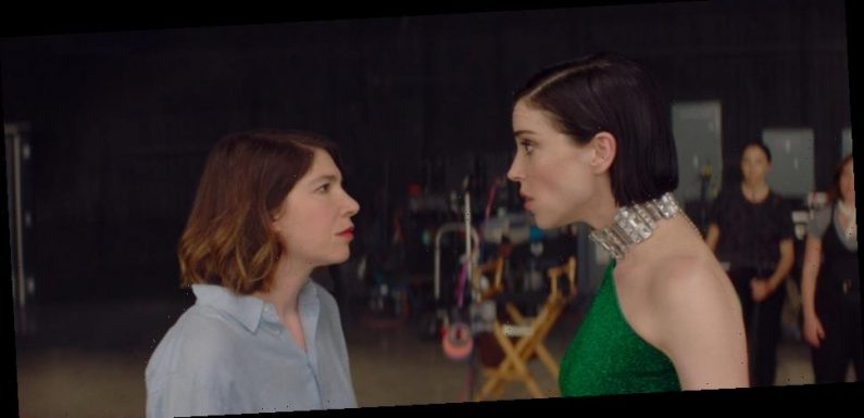'The Nowhere Inn' Review: St. Vincent and Carrie Brownstein Tackle the Surreal Side of Fame [Sundance 2020]