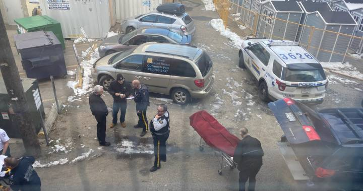 Foul play not suspected after body found in Kelowna alley