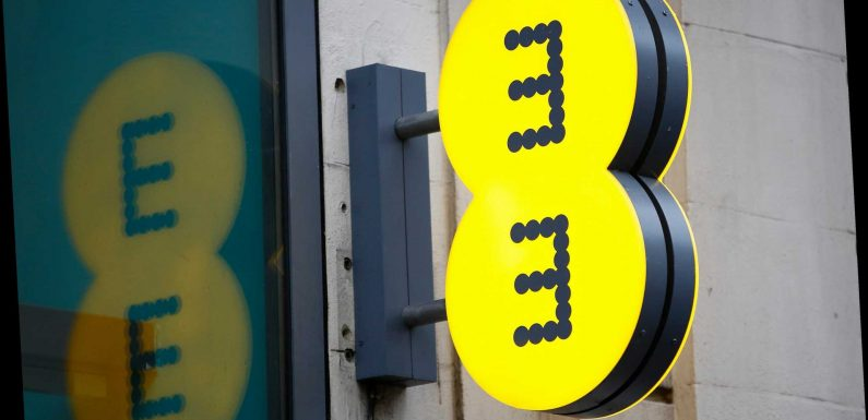 EE is offering vulnerable and disabled customers cut-off due to coronavirus free calls, texts and data