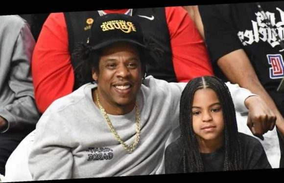 Jay-Z & Blue Ivy Enjoy Father-Daughter Outing at Lakers Game!