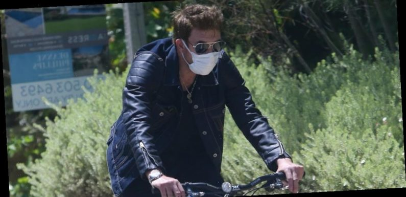 'Hollywood' Star Dylan McDermott Goes for a Bike Ride Amid Pandemic