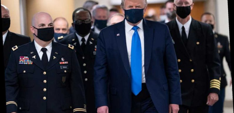 President Trump wears face mask for visit to military hospital