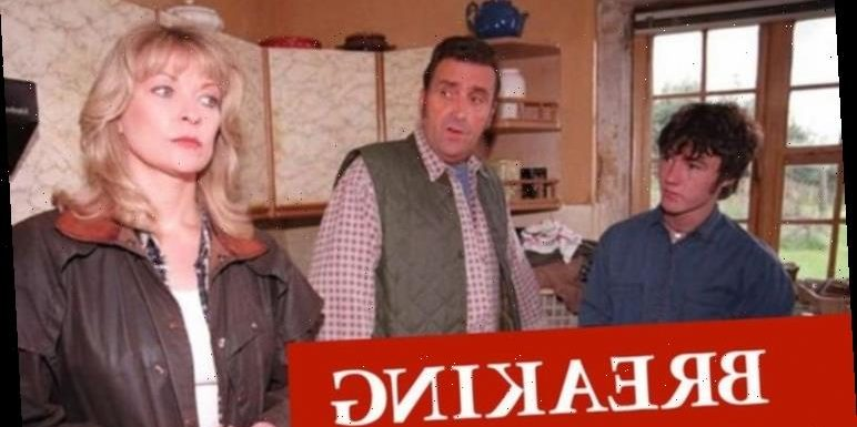 Johnny Leeze dead: Emmerdale and Coronation Street star dies aged 78 from COVID-19