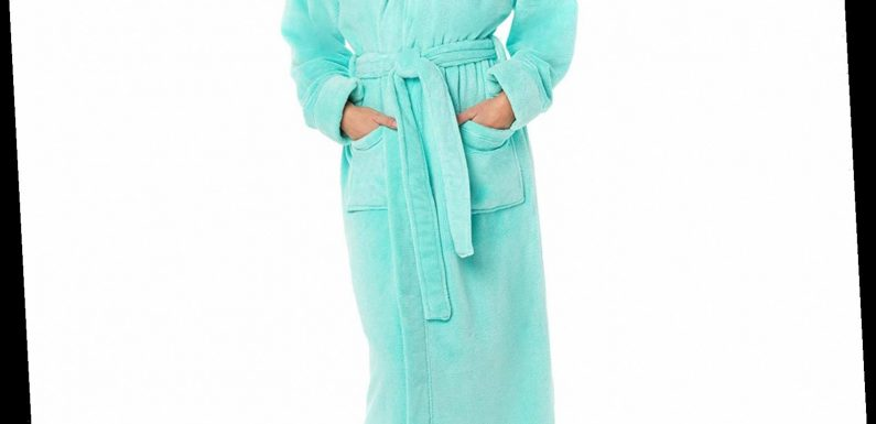 This Cozy Robe Has Raked in Thousands of Perfect Ratings Thanks to One Unexpected Detail