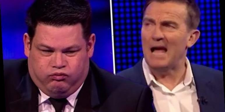 Bradley Walsh interrupted by Mark Labbett as The Chase star 'exposes' past with contestant