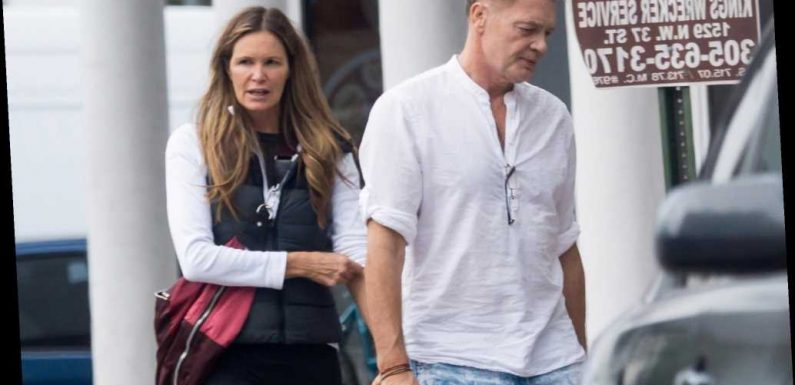 Elle Macpherson promoting anti-vax campaign during pandemic