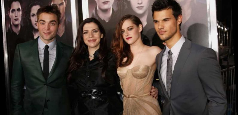 Stephenie Meyer Actually Really Disliked the 'New Moon' Book Cover