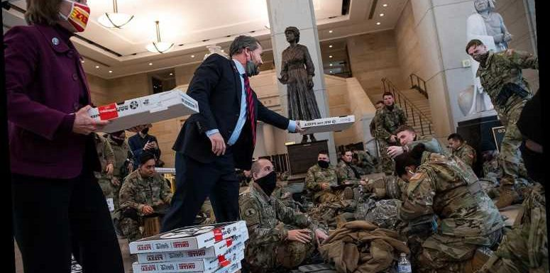 Pizza Shop Delivers Hundreds of Pies to National Guard Troops at the Capitol Before Inauguration