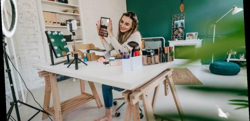 These Emoji Makeup Challenge TikToks Are Creative AF