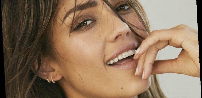 Jessica Alba Signs With UTA