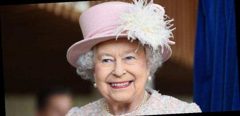 Queen Elizabeth Speaks About Getting The Coronavirus Vaccine: 'It's Quite Harmless & Quick'