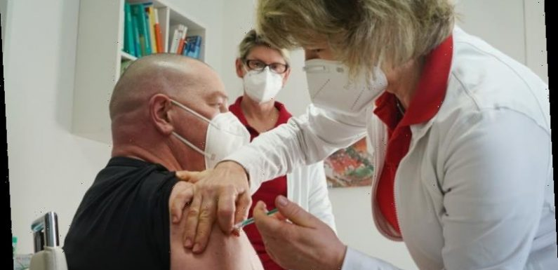 'We can't do much with 50 doses': GPs concerned about supply, capability of COVID-19 vaccine