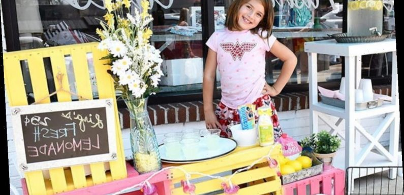Seven-Year-Old Selling Lemonade to Pay for Her Own Brain Surgery Raises $260k