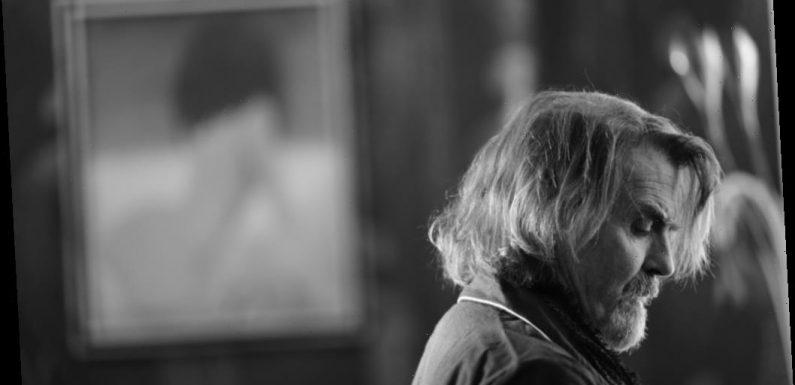 'A Bird Flew In': First Trailer For Lockdown Drama Starring Derek Jacobi, Jeff Fahey, Sadie Frost — EFM