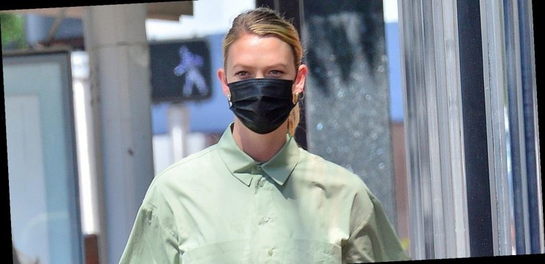 Karlie Kloss Steps Out for First Time Since Giving Birth!