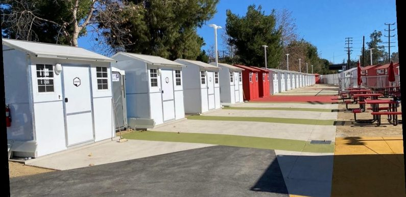 Actor Jon Cryer helping LA homeless with tiny homes project
