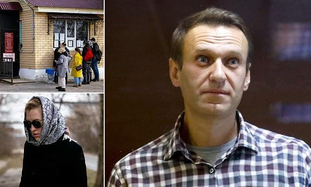 Alexei Navalny's personal doctor and fellow medics again denied access