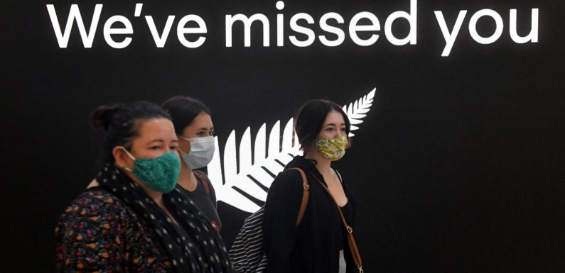 COVID-19: Families reunite as travel bubble between Australia and New Zealand opens