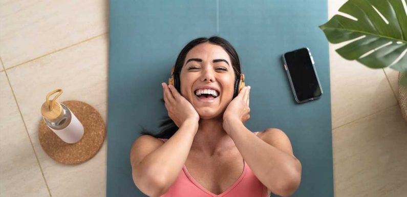 Can Listening Help You Lose Weight? 5 Weight-Loss Hypnosis Audiobooks