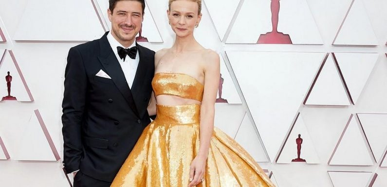 Carey Mulligan's Husband Marcus Mumford Steals Lampshade From 2021 Oscars