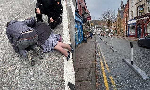 Council removes bollards in Welsh town as people trip and break bones