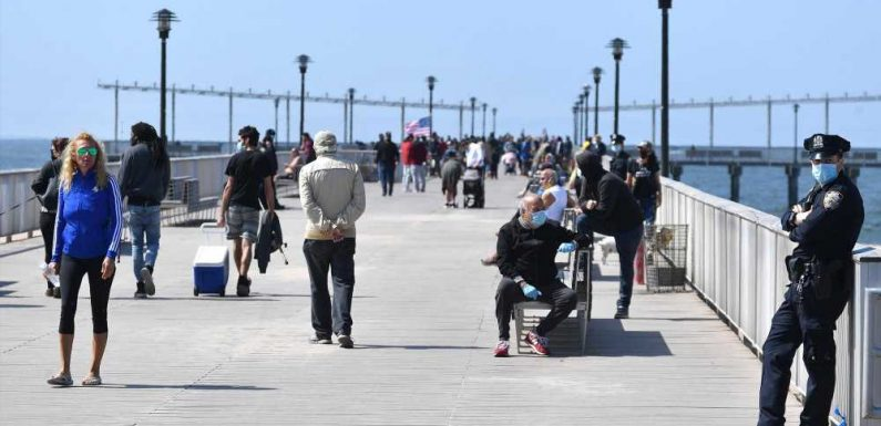 De Blasio's ridiculous 'concession' on masking on the beach