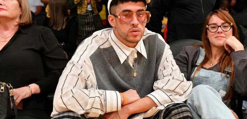 How many siblings does Bad Bunny have?
