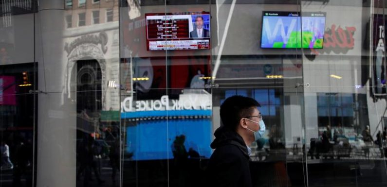 Investors turn to growth stocks' results after strong earnings start