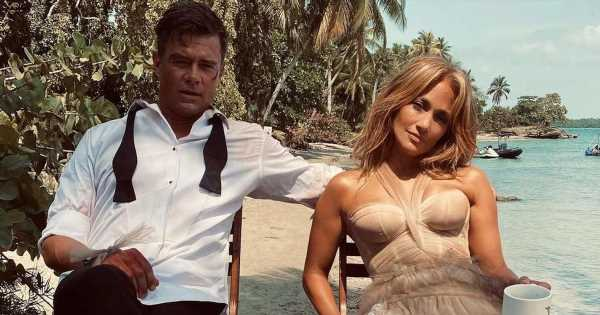 J Lo Posted a Picture in Another Gorgeous Wedding Dress For Her New Movie
