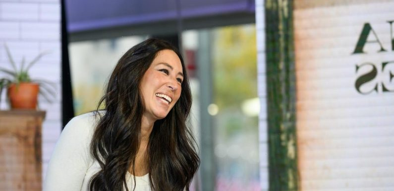 Joanna Gaines Fans Can Use 1 Cheaper, Easier Shiplap Alternative for That 'Fixer Upper' Look