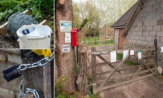 Landowner installs barbed wire and 'keep out' notices on footpath