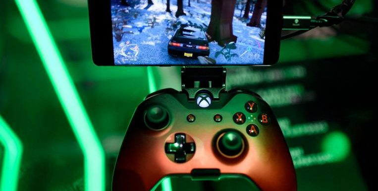 Microsoft's Xbox cloud game world extends to Apple gadgets