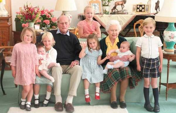 Palace Releases Never-Before-Seen Photo of Queen Elizabeth & Prince Philip with 8 Great-Grandkids