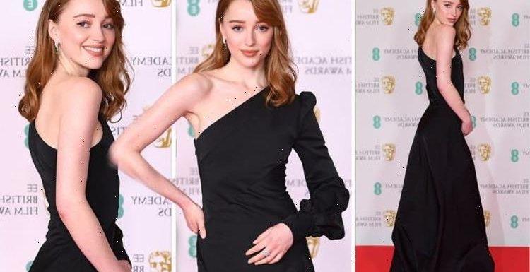 Phoebe Dynevor: Bridgerton star stuns in glamorous asymmetric dress at BAFTA Awards 2021