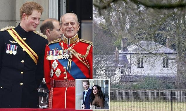 Prince Harry returns to Frogmore Cottage before Philip's funeral