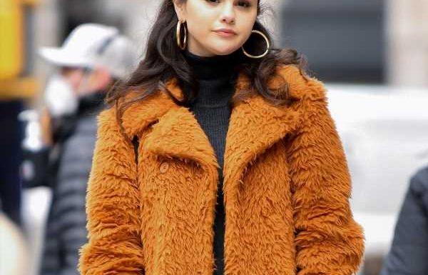 Selena Gomez Went Platinum Blonde & It Looks SO Dreamy On Her
