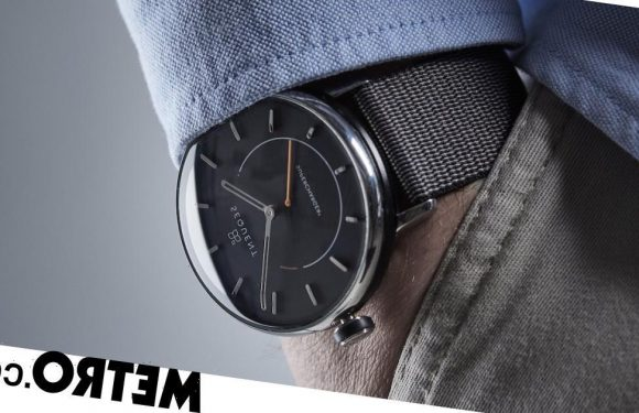 Sequent SuperCharger 2 review: a smartwatch for the analogue fans